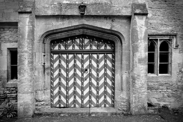 Icomb gates